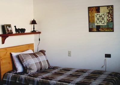 cozy_senior_bedroom