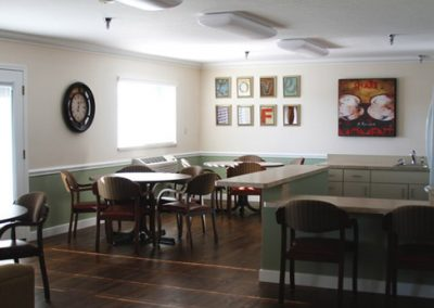 well_decorated_senior_dining_area